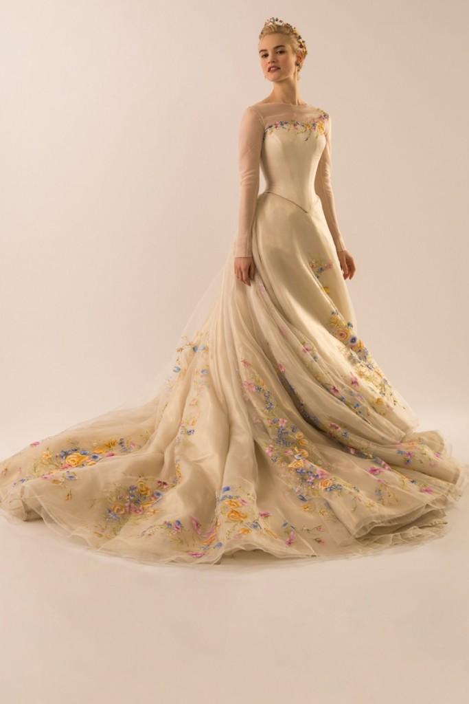 disney-cinderella-movie-wedding-dress-photos02