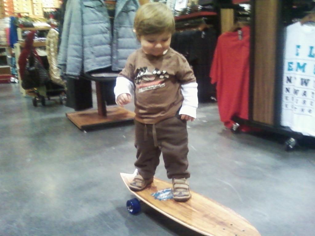 mac-skateboard